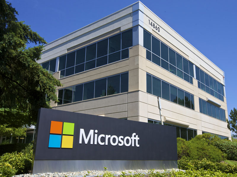 Microsoft outdoes Salesforce as the global SaaS leader